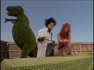eduardo manostijeras edward scissorhands perro dinosaurio