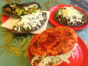 garnachas-cdmx-tacos-tortas-tlacoyos-comida-crea-cuervos
