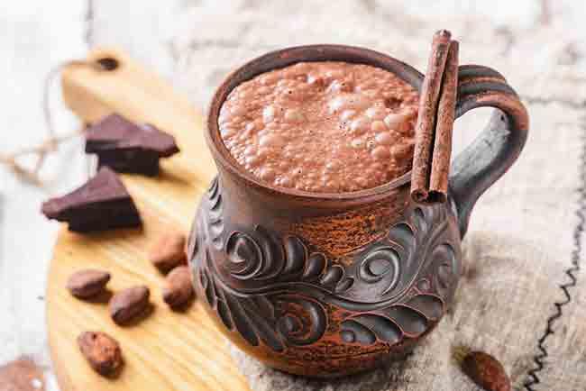 festival-del-cafe-y-chocolate-en-el-palacio-de-la-autonomia-The-Spruce-Eats-Ulyana-Verbytska