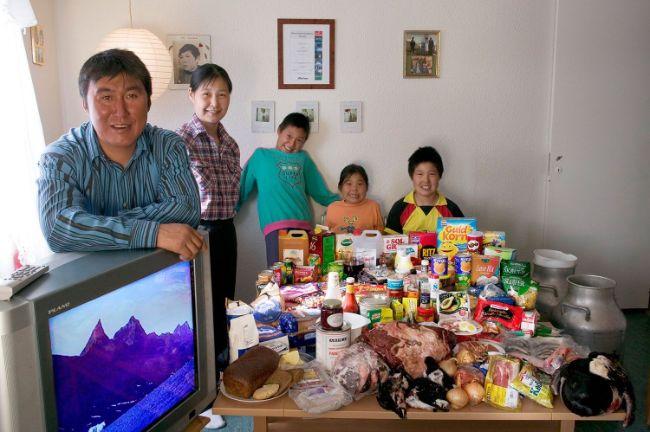 fotos-que-muestran-lo-que-come-una-familia-promedio-en-cada-pais