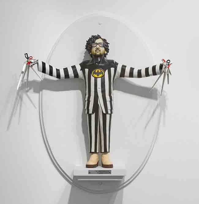 tim-burton-figuras-surrealistas-de-directores-famosos-de-mike-leavitt