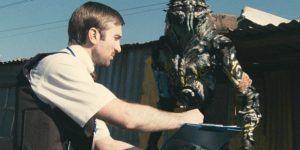 Distrito 9 - Blomkamp y Terri Tatchell, Neill Blomkamp director y Peter Jackson como Productor - Alienígenas II