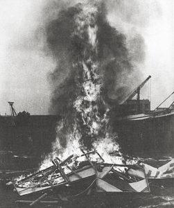 Xiamen Dada destruyendo sus propios trabajos artísticos-1986-10 de los artistas contemporáneos chinos más sobresalientes