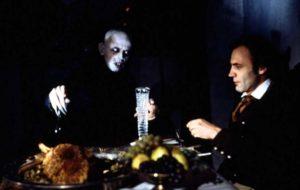 Nosferatu - Herzog, Kinski, 1979 - cenando