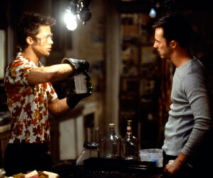 El club de la pelea - Brad Pitt, Edwar Norton 1999 - preparando jabón