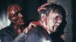 Hellraiser, Clive Barker - Frank comiendo