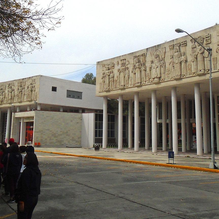 la-imponente-fachada-de-la-benemerita-escuela-nacional-de-maestros-mobile