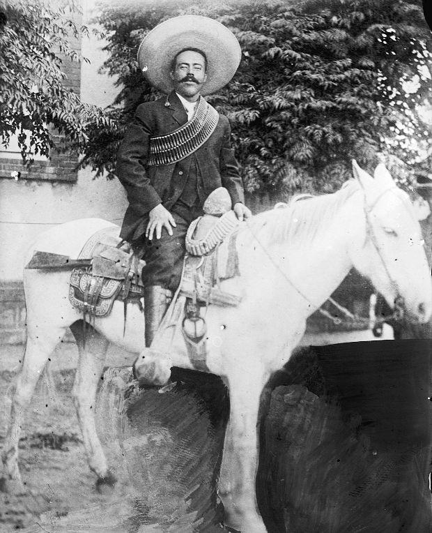 pancho-villa-caballo