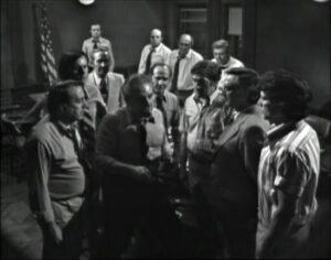 Doce hombres sin piedad - Antes de ensartar la navaja
