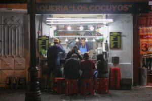 las-cronicas-del-taco-serie-netflix-taquería-2