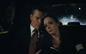 Destino oculto - Matt Damon y emily en el carro