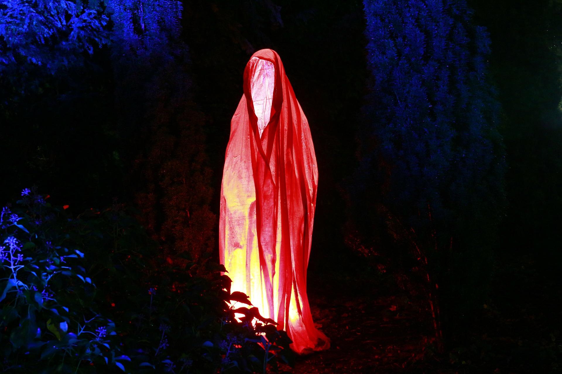 Especial del Terror Fantasma luminoso 1