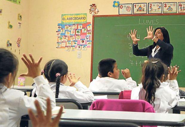 dia-mundial-del-docente-labor-del-docente-educacion-en-tiempos-del-covid-19-falta-de-capacitacion-en-tecnologias-a-docentes