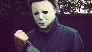 Las películas slasher han tenido un gran éxito en los últimos años, y Michel Myers es una parte importante de ese éxito. Su primera aparición fue en la película Halloween en 1978 dirigida por el aclamado director de horror John Carpenter.