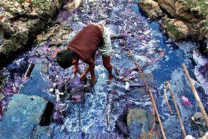 moda-rapida-contaminación-agua