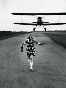 HELMUT NEWTON British Vogue London 1967 CHelmut Newton Estate court... 767x1024 1