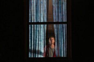 La mujer de la ventana