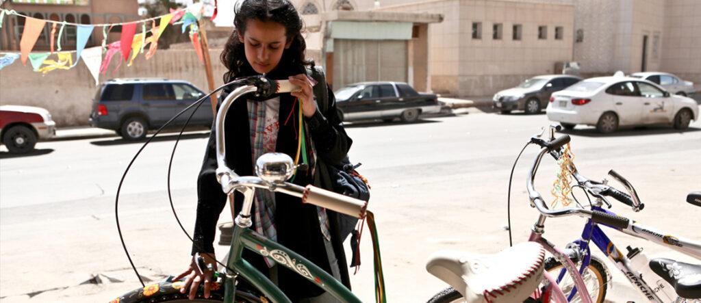 pelicula-cine-wadja-y-la-bicicleta-verde