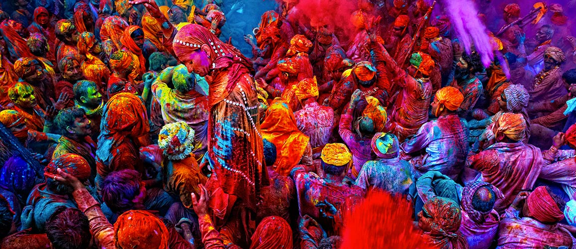 holi-festival-celebracion-colores-pintan-india-en-primavera